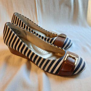 Dexflex Comfort Wedge Pumps Blue White Stripe Sz 8